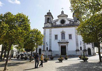 Igreja Matriz de Oeiras está a ser toda remodelada