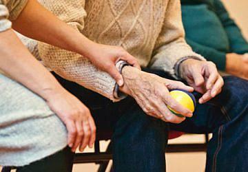 Covid-19: Município de Oeiras ajuda instituição que entrega refeições a idosos