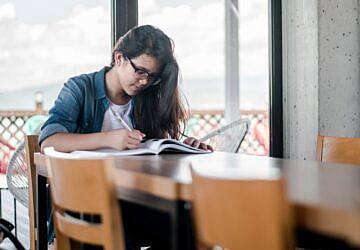 Município de Oeiras abre candidaturas às bolsas de estudo para o ensino superior