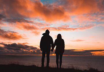 O amor está no Facebook: o serviço de encontros já chegou a Portugal