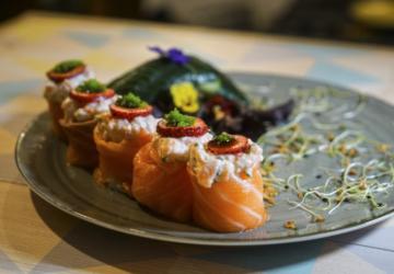 O Salty — Sushi, Brunch & Bar tem um brunch all you can eat