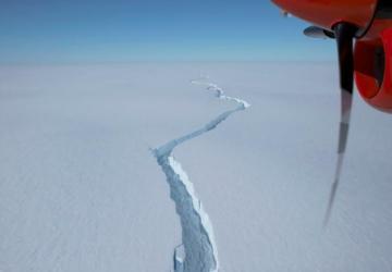 Iceberg maior do que Nova Iorque separou-se da Antártida e está a preocupar os cientistas